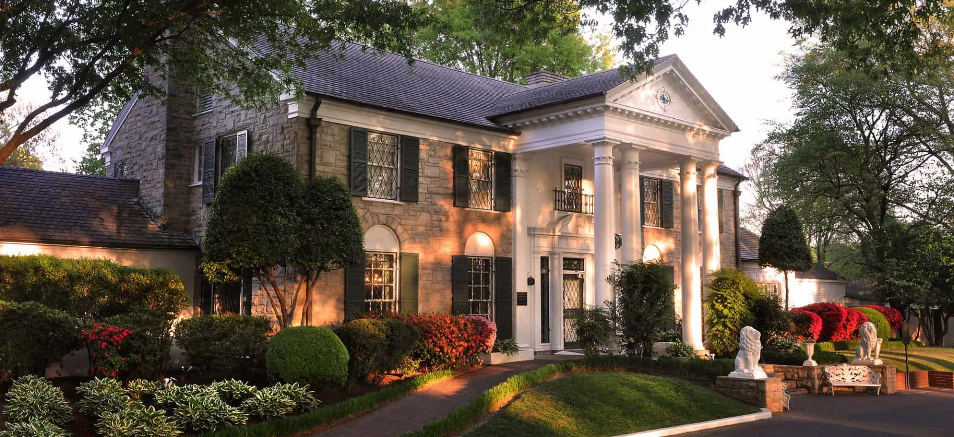 High Quality Graceland Live Cam from Elvis House in the USA.